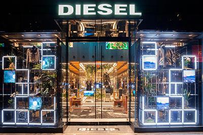Nueva flagship de Diesel en Nueva York con pantallas de plasma