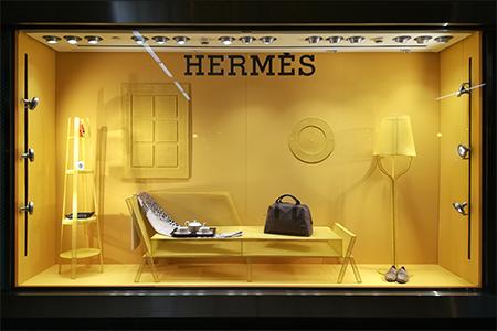 Dibujos en el espacio de Marcel Van Doorn para Hermès