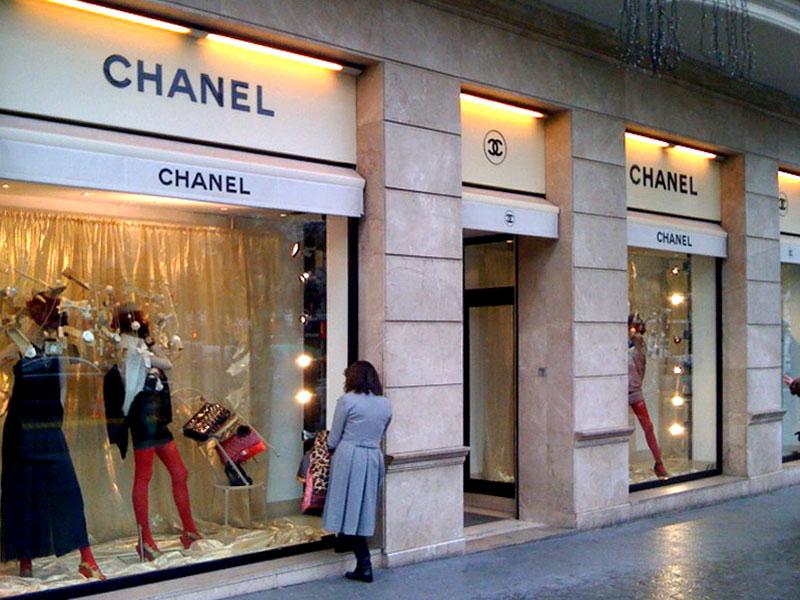 Escaparatismo y Escaparates con Impresion Digital para la marca Chanel