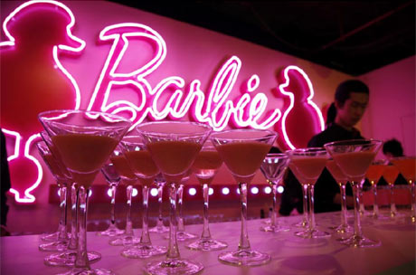 200 Barbies repasan la historia de la moda en una exposición en El Corte Inglés