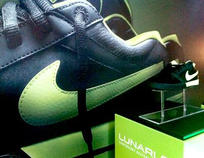 Nike Lunarlon Impresion de vinilos para tiendas a4086f46fffd2