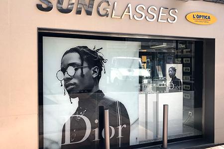 Aplicacion vinilo impreso Dior sol