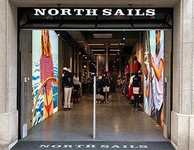Instalacion de cajas de luz en punto de venta North Sails