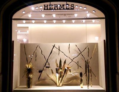 Instalaci�n escaparate Hermes Luna Paiva Barcelona