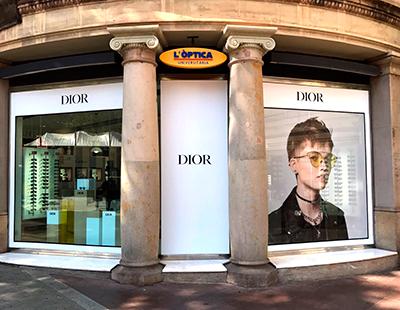 Aplicacion vinilo de corte e imagen en gran tamaño Dior Real Pop