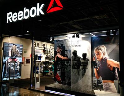 Produccion grafica y de mobiliario para punto de venta Reebok