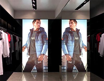 Decoracion boutiques Armani en Madrid y Barcelona